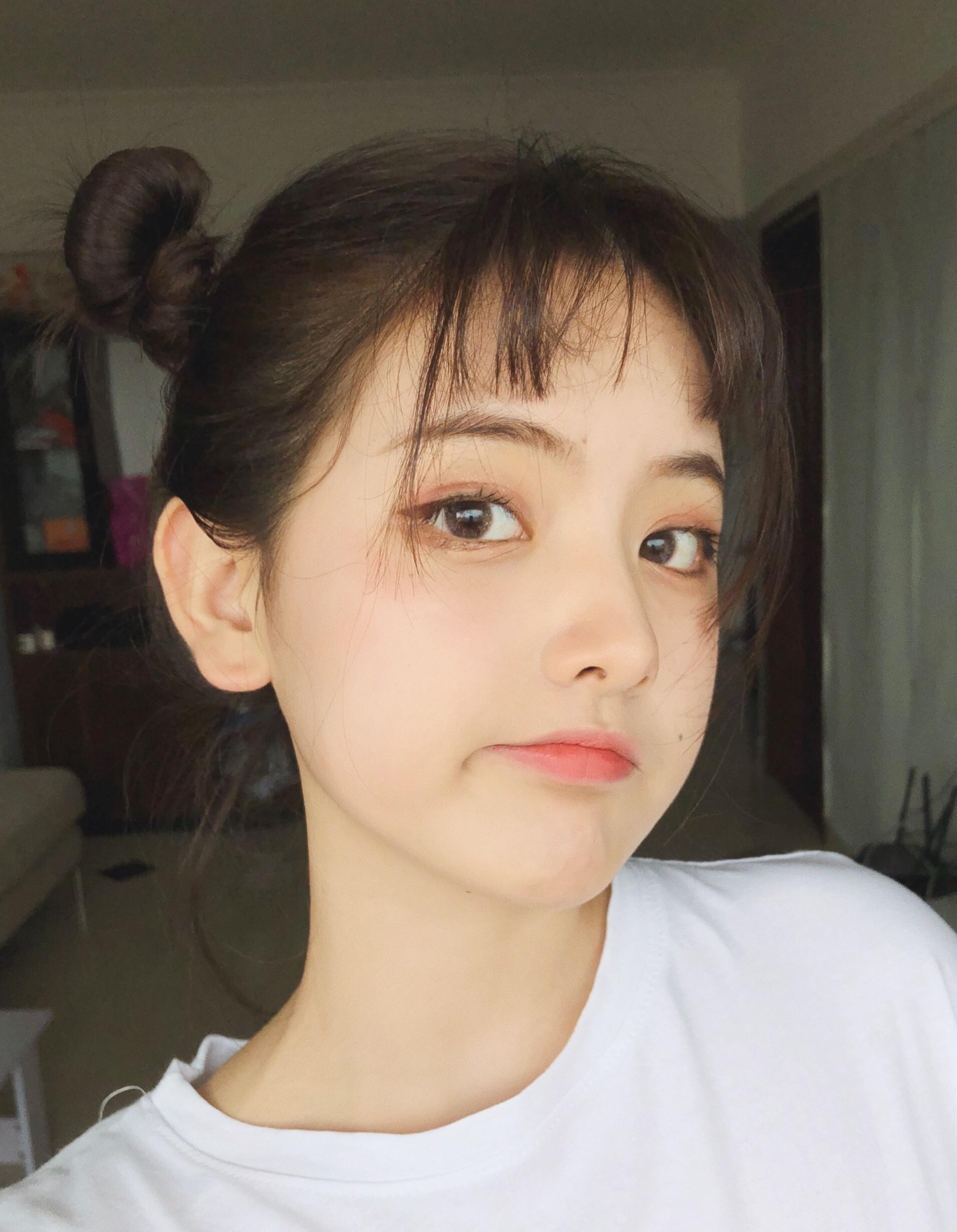 Nữ sinh 21 tuổi được mệnh danh IU phiên bản Trung khiến cả con trai lẫn con gái xin gia nhập fanclub - Ảnh 1.