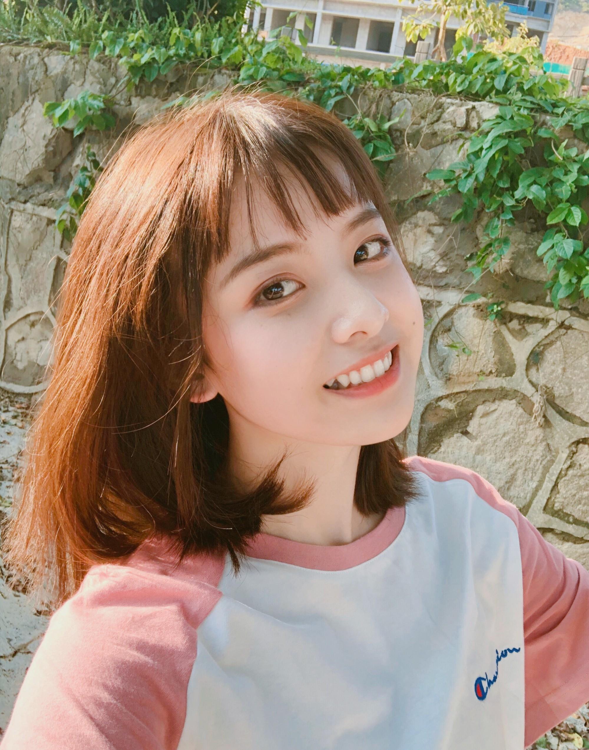 Nữ sinh 21 tuổi được mệnh danh IU phiên bản Trung khiến cả con trai lẫn con gái xin gia nhập fanclub - Ảnh 2.