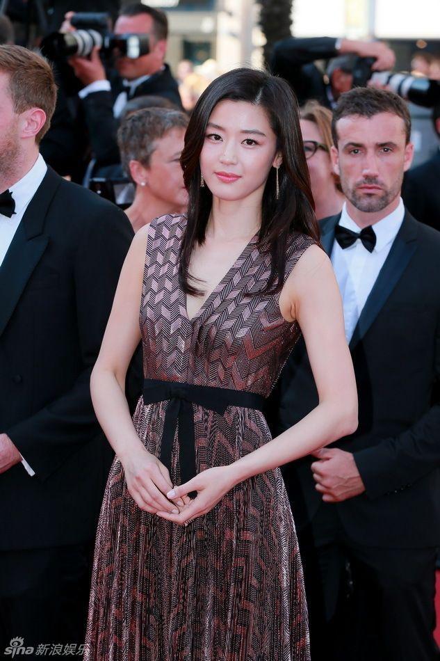 Khi siêu sao hạng A xứ Hàn dự sự kiện casino o viet nam: Người sang như ông hoàng bà hoàng, kẻ gặp sự cố nhạy cảm khó đỡ - Ảnh 16.