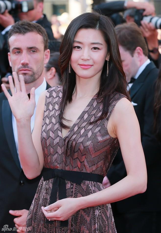 Khi siêu sao hạng A xứ Hàn dự sự kiện casino o viet nam: Người sang như ông hoàng bà hoàng, kẻ gặp sự cố nhạy cảm khó đỡ - Ảnh 17.