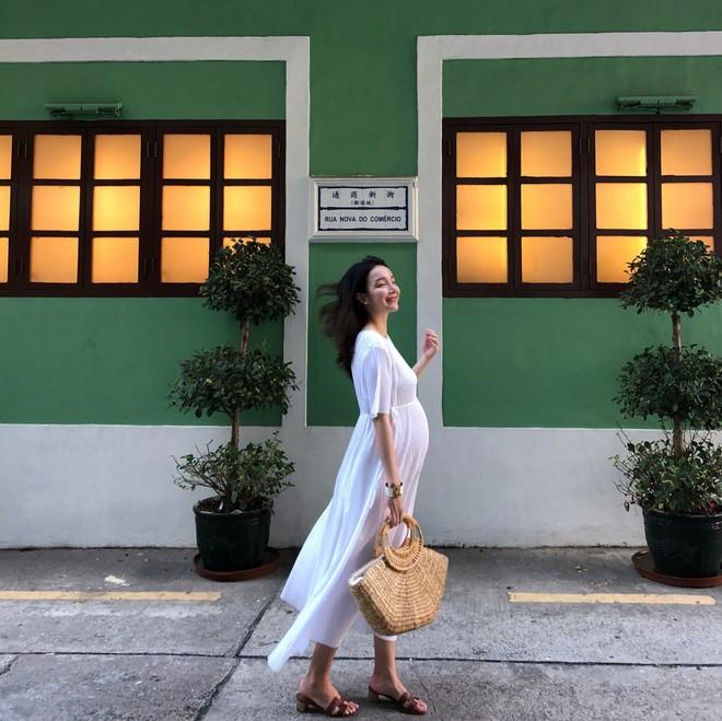 Học cách diện đồ giúp làm dịu cái nắng hè qua street style của các quý cô Châu Á - Ảnh 2.