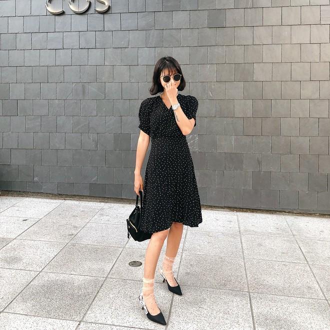 Học cách diện đồ giúp làm dịu cái nắng hè qua street style của các quý cô Châu Á - Ảnh 5.