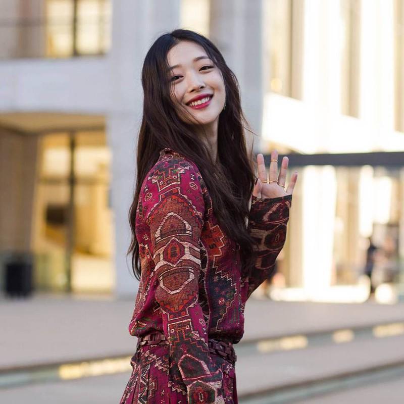 Khi siêu sao hạng A xứ Hàn dự sự kiện casino o viet nam: Người sang như ông hoàng bà hoàng, kẻ gặp sự cố nhạy cảm khó đỡ - Ảnh 33.