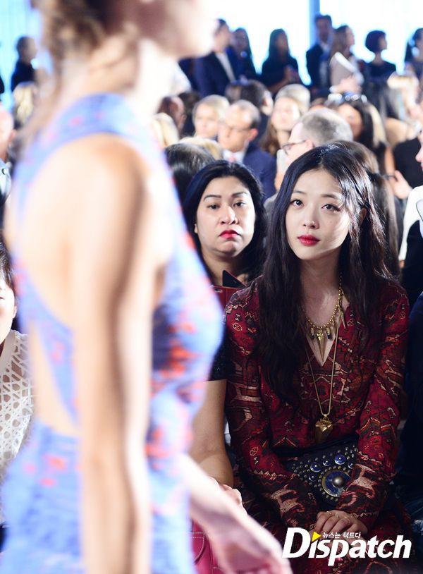 Khi siêu sao hạng A xứ Hàn dự sự kiện casino o viet nam: Người sang như ông hoàng bà hoàng, kẻ gặp sự cố nhạy cảm khó đỡ - Ảnh 35.