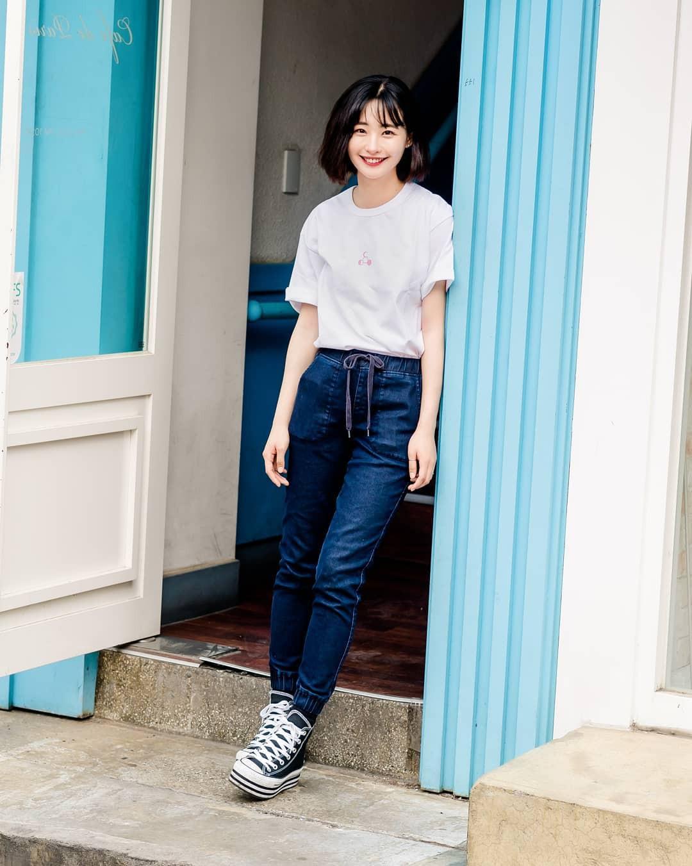 Chẳng cần hành xác, giới trẻ Hàn mặc toàn đồ thoải mái, mát mẻ mà vẫn đẹp phát thèm - Ảnh 8.