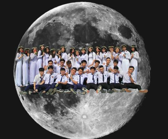 Con nhà nghèo nhưng muốn chụp kỷ yếu vòng quanh thế giới, lớp học này đã tạo ra bộ ảnh lầy lội nhất quả đất - Ảnh 17.