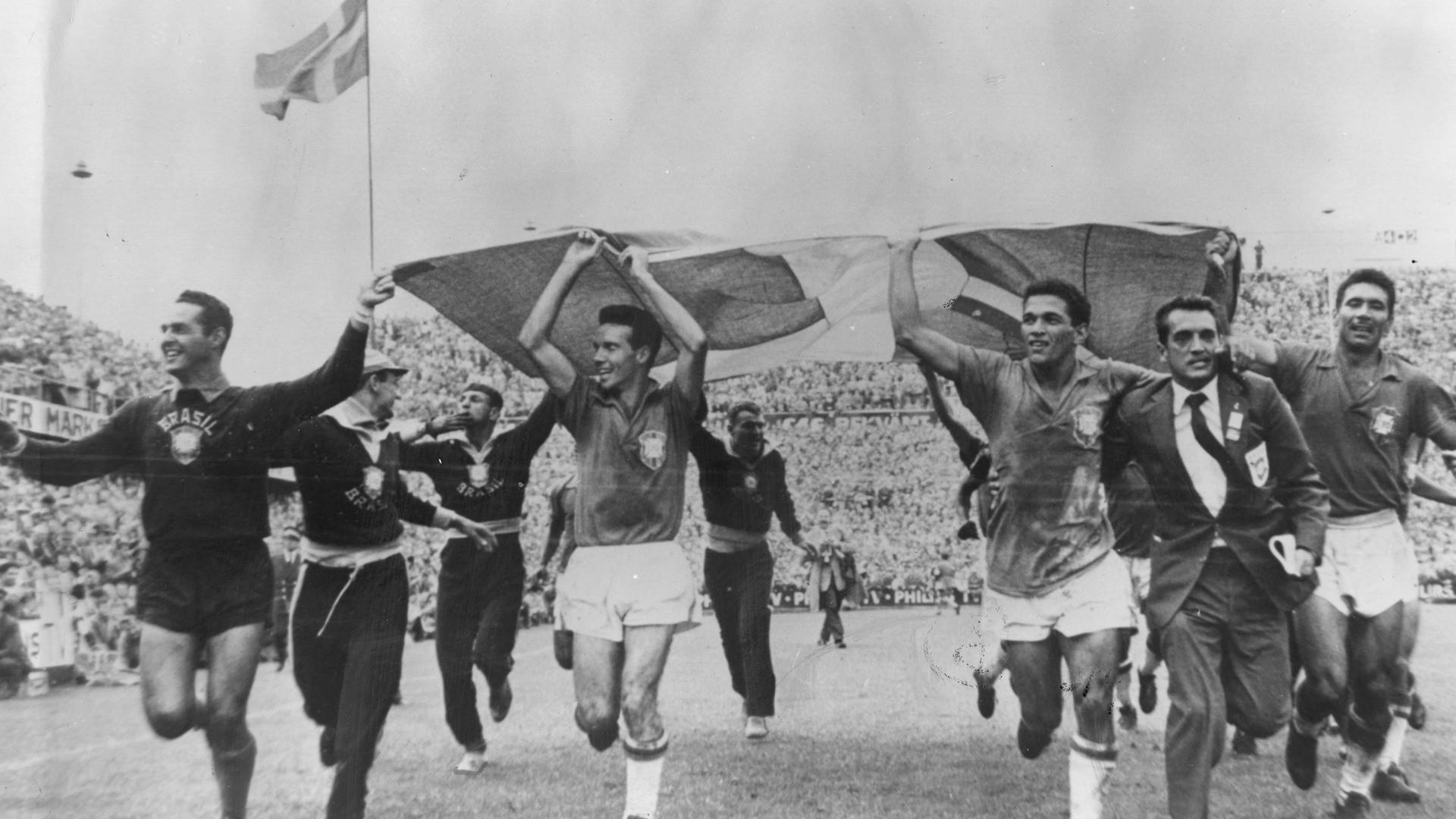 Lịch sử World Cup 1958: Vua bóng đá Pele bước ra ánh sáng - Ảnh 4.