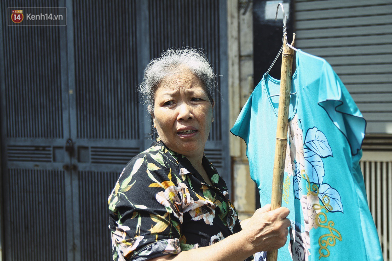 Cụ bà xa quê 11 năm, ở trọ Hà Nội để chạy thận và sống nhờ những vần thơ của chồng: Lấy người xấu trai, sau này người ta chiều mình - Ảnh 5.