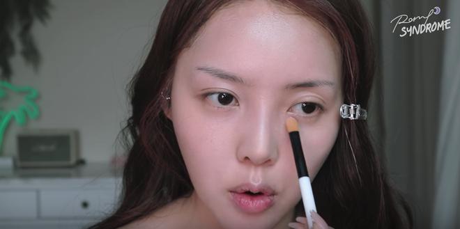 Học Phù thủy makeup xứ Hàn cách trang điểm tự nhiên giúp làm bừng sáng khuôn mặt - Ảnh 6.
