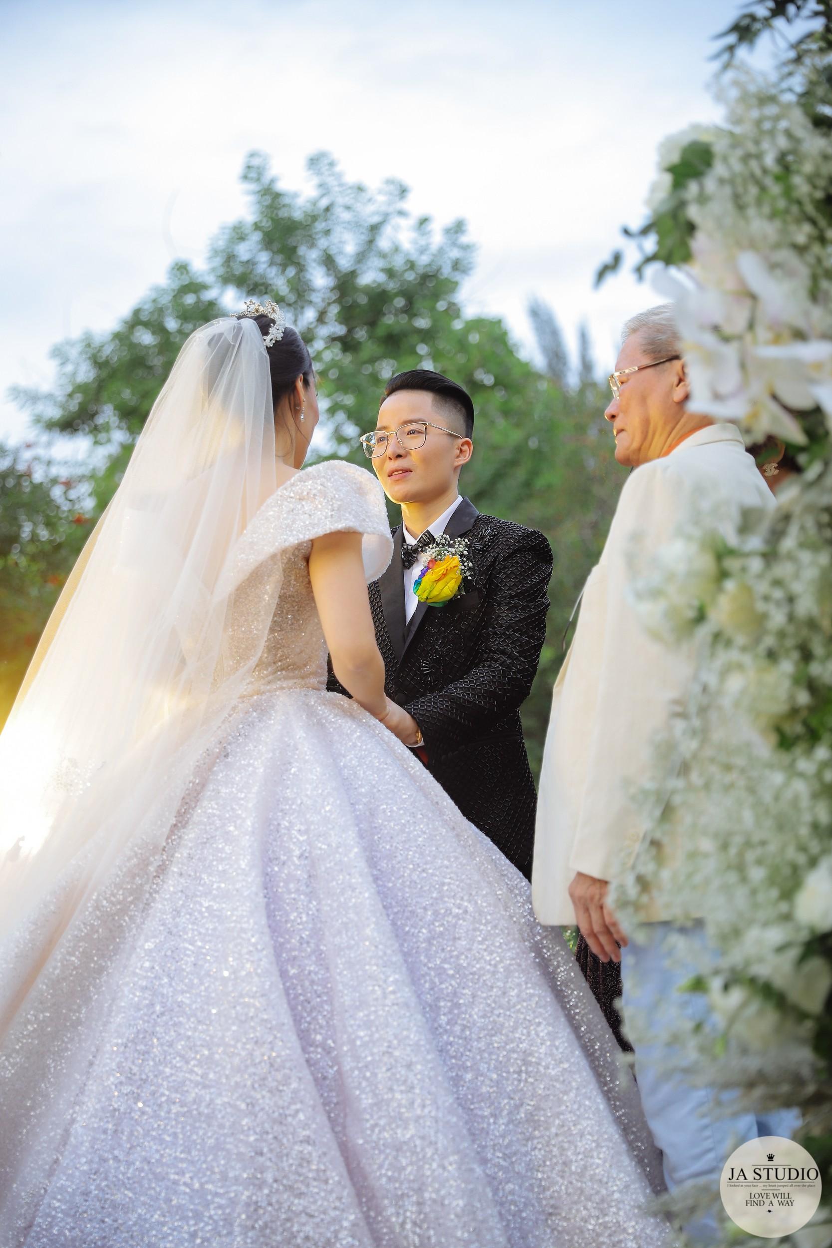 9X chuyển giới Tú Lơ Khơ cưới vợ hơn 21 tuổi, tiết lộ đang trong quá trình chuẩn bị có con chung - Ảnh 3.