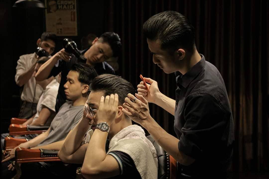 Ở Sài Gòn, nhất định phải thử ghé qua 3 tiệm này cắt tóc để trải nghiệm văn hoá quý ông - Ảnh 4.
