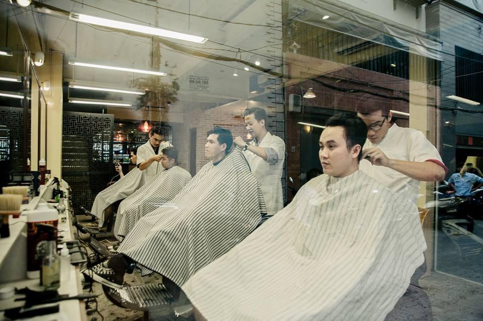 Ở Sài Gòn, nhất định phải thử ghé qua 3 tiệm này cắt tóc để trải nghiệm văn hoá quý ông - Ảnh 14.