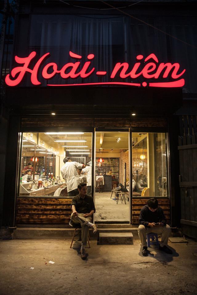 Ở Sài Gòn, nhất định phải thử ghé qua 3 tiệm này cắt tóc để trải nghiệm văn hoá quý ông - Ảnh 10.