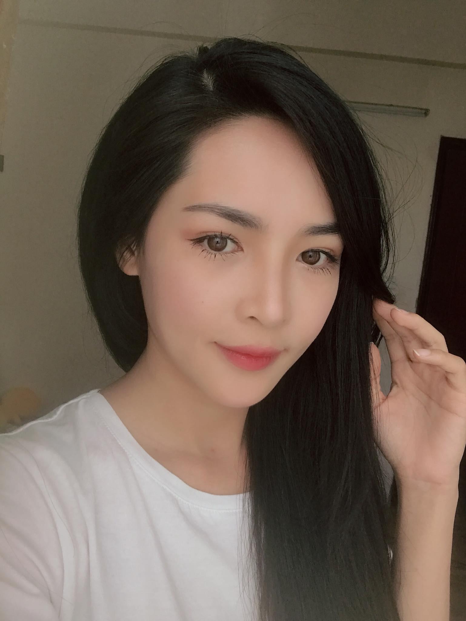 Hot girl PTTM Vũ Thanh Quỳnh trông như thế nào sau 3 năm dao kéo? - Ảnh 11.