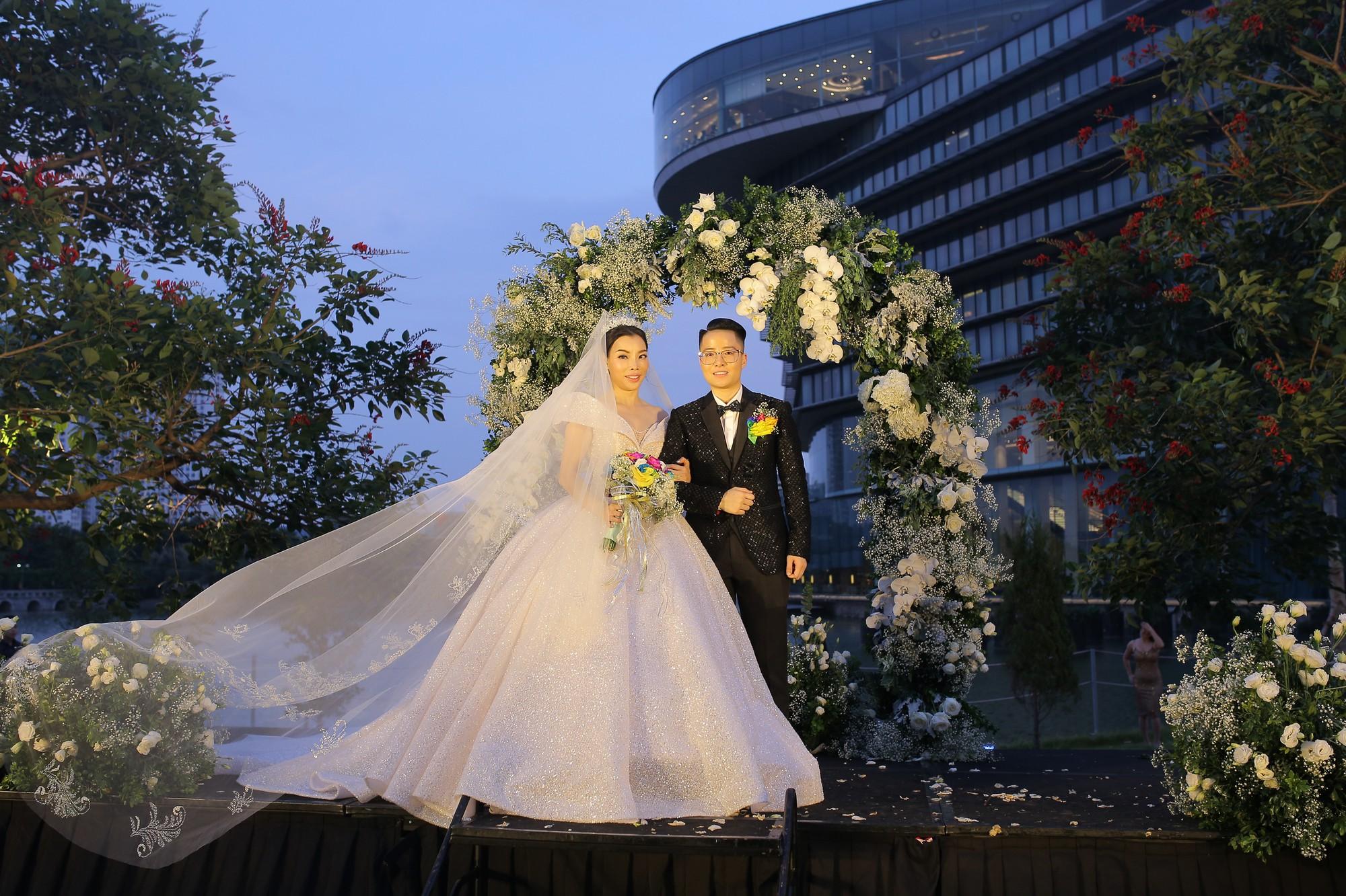 9X chuyển giới Tú Lơ Khơ cưới vợ hơn 21 tuổi, tiết lộ đang trong quá trình chuẩn bị có con chung - Ảnh 5.