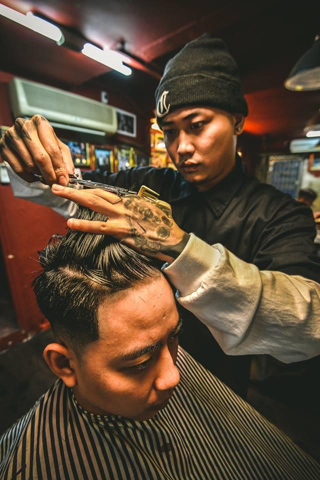 Ở Sài Gòn, nhất định phải thử ghé qua 3 tiệm này cắt tóc để trải nghiệm văn hoá quý ông - Ảnh 21.