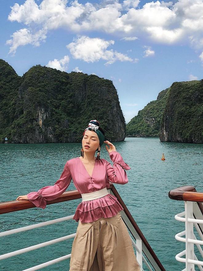 """Học nàng hot girl được ví là """"bản sao của Hà Tăng"""" cách diện đồ thanh lịch đầy thu hút - Ảnh 17."""