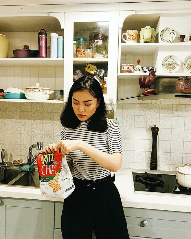 """Học nàng hot girl được ví là """"bản sao của Hà Tăng"""" cách diện đồ thanh lịch đầy thu hút - Ảnh 21."""