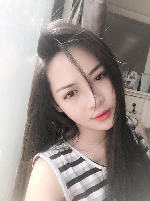 Hot girl PTTM Vũ Thanh Quỳnh trông như thế nào sau 3 năm dao kéo? - Ảnh 2.
