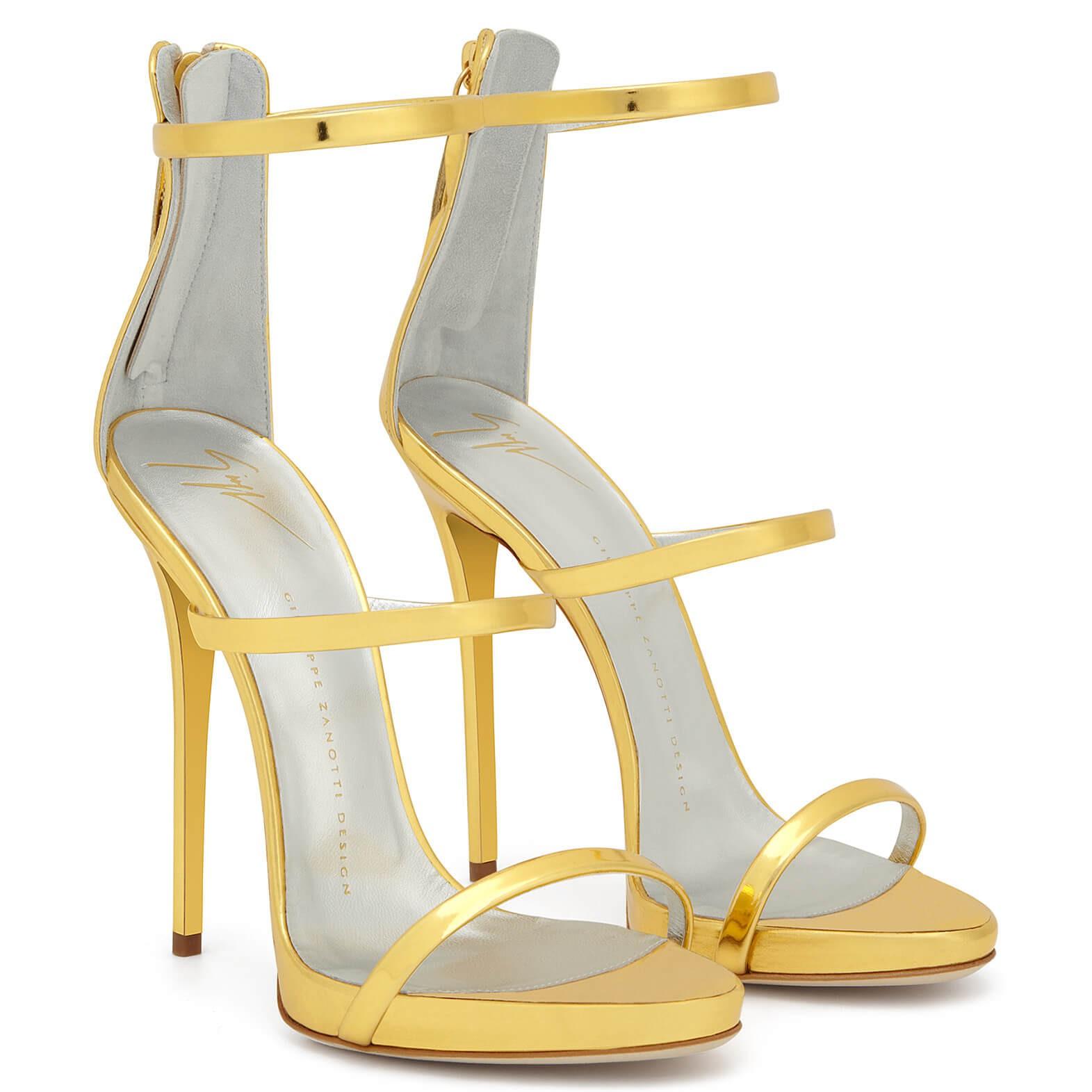 """Đôi cao gót tôn chân nuột nà của Bích Phương bỗng thành """"hot item"""" được các shop online thi nhau đăng bán - Ảnh 6."""