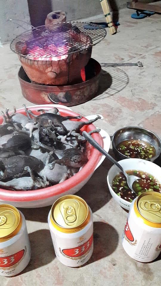 Góc đặc sản: Món ếch nướng cả con không bỏ gì hết khiến dân mạng băn khoăn có nên làm thử hay không - Ảnh 4.