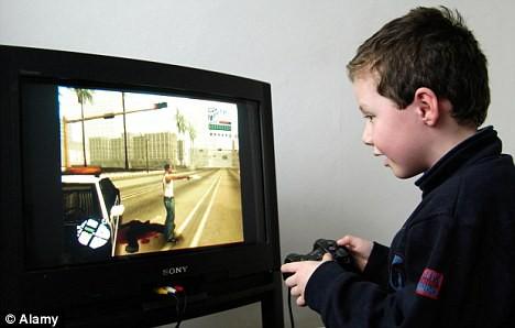 Chơi game 8 tiếng không chịu đi toilet để xả, bé trai 10 tuổi nhập viện vì bụng phồng quá to - Ảnh 1.