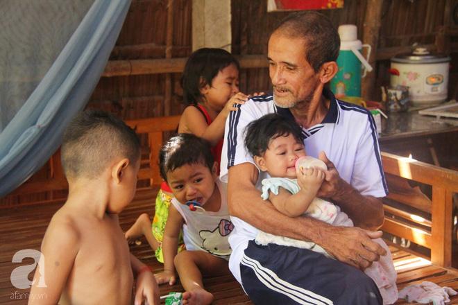 Phép màu kỳ diệu đến với gia đình ông bà ngoại nuôi 5 đứa trẻ nheo nhóc, khóc thét vì khát sữa tại Trà Vinh - Ảnh 2.