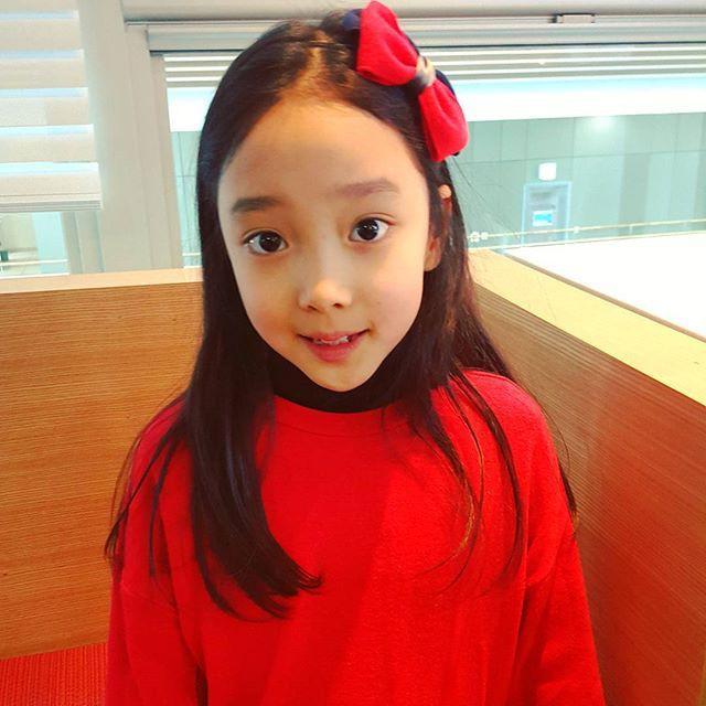 Sau 5 năm, tiểu Lee Hyori có đôi mày khó ở bỗng gây sốt vì xinh xắn không nhận ra nổi - Ảnh 12.
