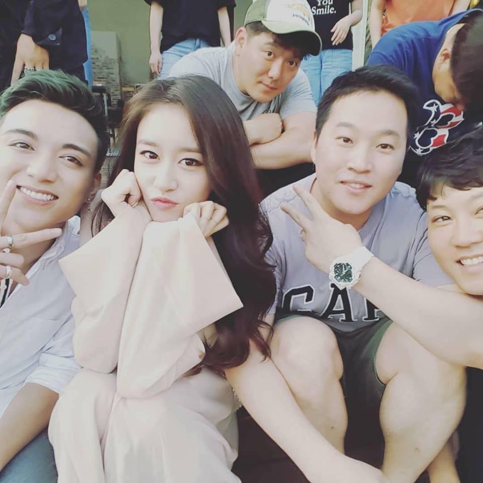 Hé lộ loạt hình ảnh hot Soobin Hoàng Sơn đang quay MV mới cùng Jiyeon ở Hàn Quốc - Ảnh 1.