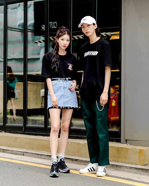 Toàn đồ đơn giản nhưng lại có những cú twist chẳng ai nghĩ ra, street style của giới trẻ Hàn sẽ khiến bạn phục sát đất - Ảnh 3.