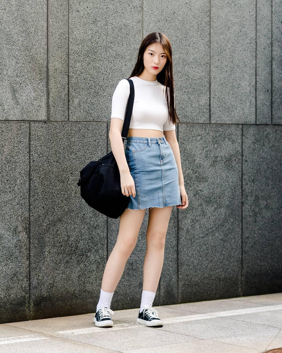 Toàn đồ đơn giản nhưng lại có những cú twist chẳng ai nghĩ ra, street style của giới trẻ Hàn sẽ khiến bạn phục sát đất - Ảnh 8.