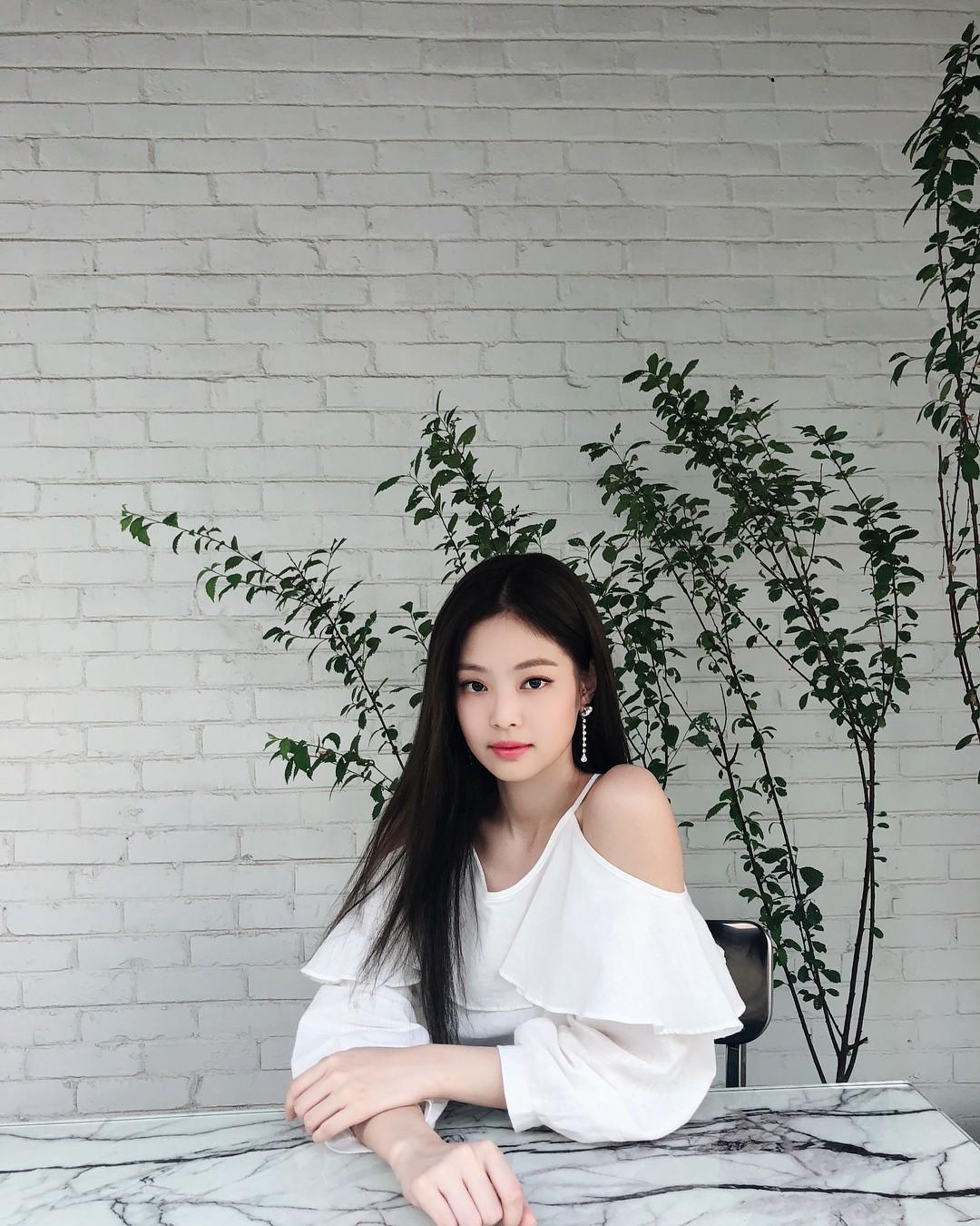 Instagram mới mở được 1 tuần, ảnh của Jennie (Black Pink) có gì hot mà toàn triệu view mỗi tấm? - Ảnh 11.