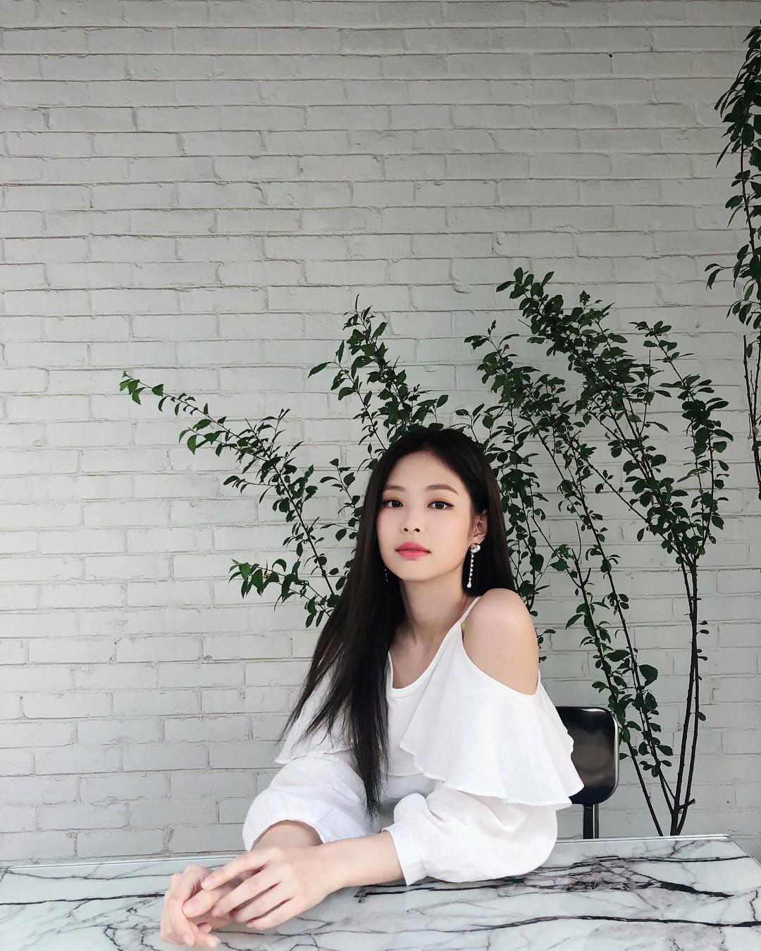 Instagram mới mở được 1 tuần, ảnh của Jennie (Black Pink) có gì hot mà toàn triệu view mỗi tấm? - Ảnh 12.