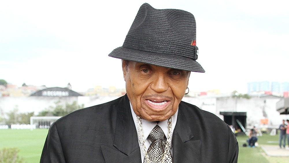 Bố Michael Jackson nhập viện vì ung thư giai đoạn cuối, không còn sống được lâu - Ảnh 1.