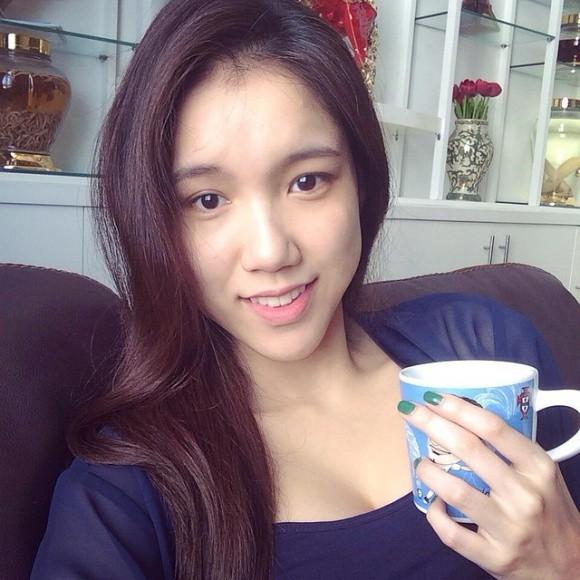 Từ cô nàng đen nhẻm, em gái Hoa hậu Thùy Lâm giờ đã là gái một con xinh đẹp rạng ngời - Ảnh 5.