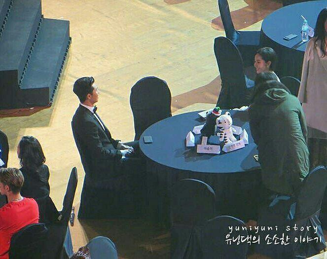 Bức ảnh đang gây sốt chứng minh cặp đôi Park - Park đã là định mệnh từ trước Thư Ký Kim - Ảnh 2.