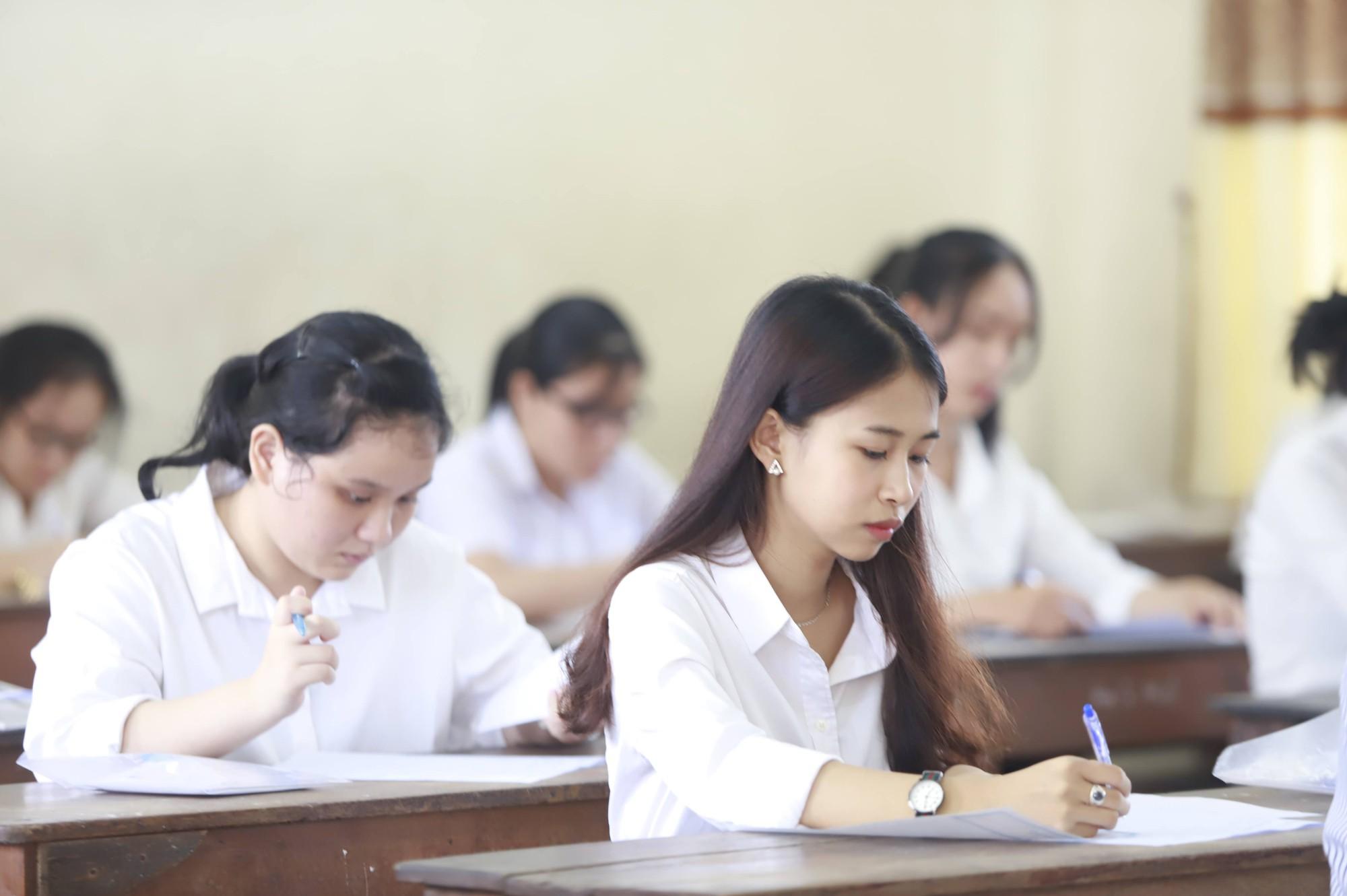 Thạc sĩ Văn học: Đề thi Ngữ văn không chỉ dành cho học sinh mà là vấn đề cả xã hội cần suy ngẫm - Ảnh 9.