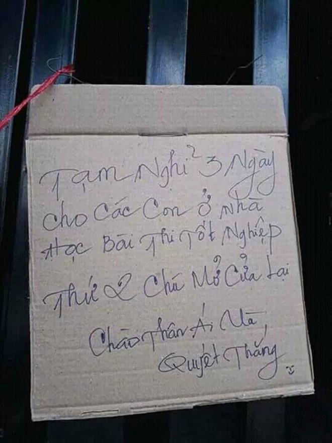 Thấy tấm biển treo trước cửa hàng net, nhiều người quay lưng bỏ đi nhưng miệng tủm tỉm cười - Ảnh 1.