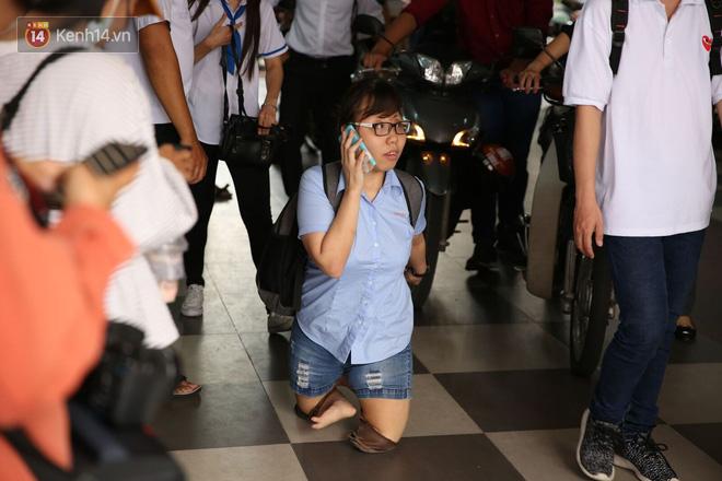 Nụ cười rạng rỡ, lạc quan của thí sinh khuyết tật với ước mơ trở thành giáo viên cho người khiếm thính - Ảnh 2.