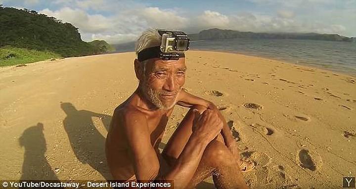 Cuộc sống trên hoang đảo không mảnh vải che thân của cụ ông 82 tuổi - Ảnh 10.