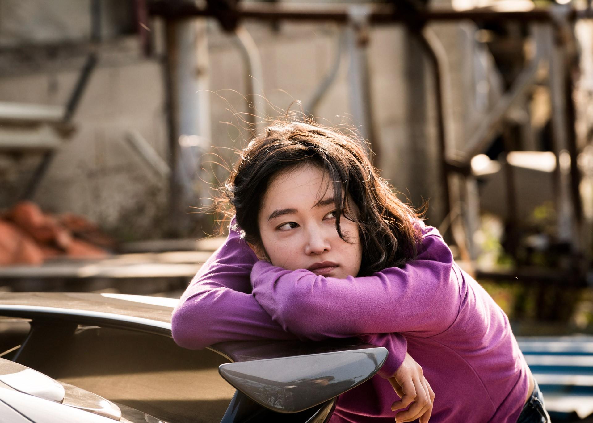 Tuyệt tác Hàn Quốc Burning: Tuổi trẻ hoang hoải và phi lý giữa xã hội hiện đại - Ảnh 5.