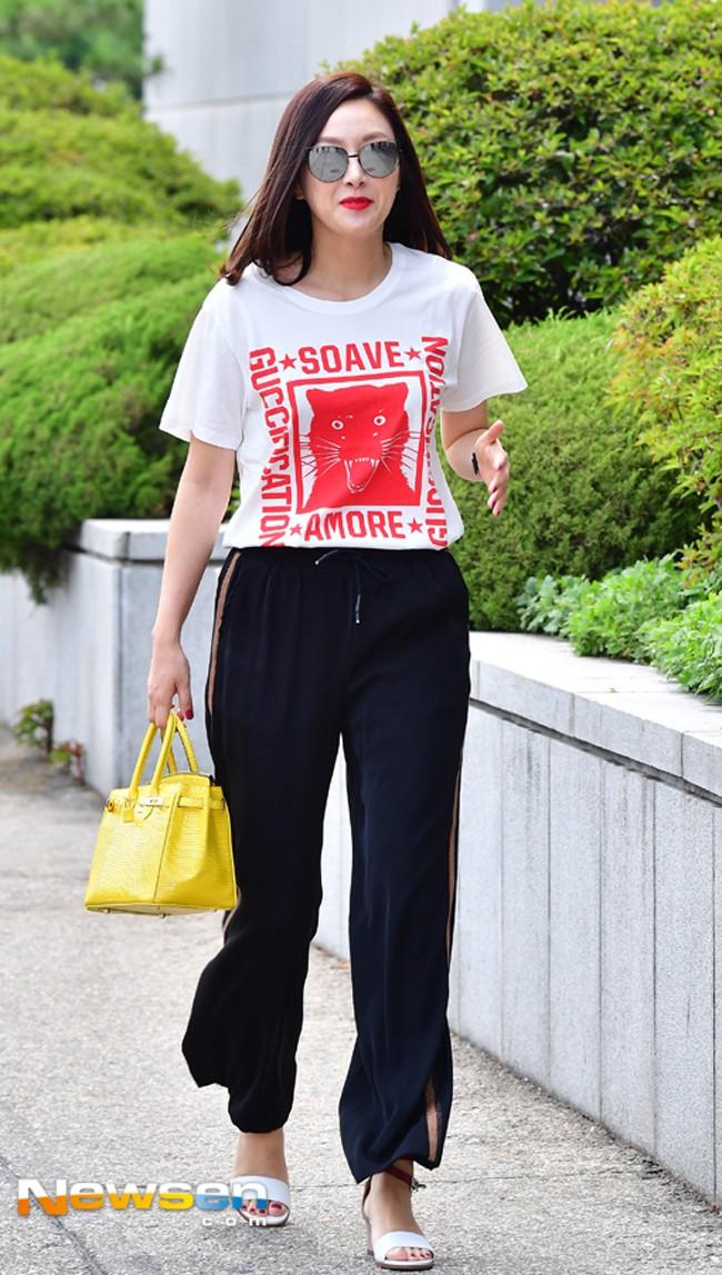 street-style-sao-14-kim-ji-hye-15300307744001362017726.jpg
