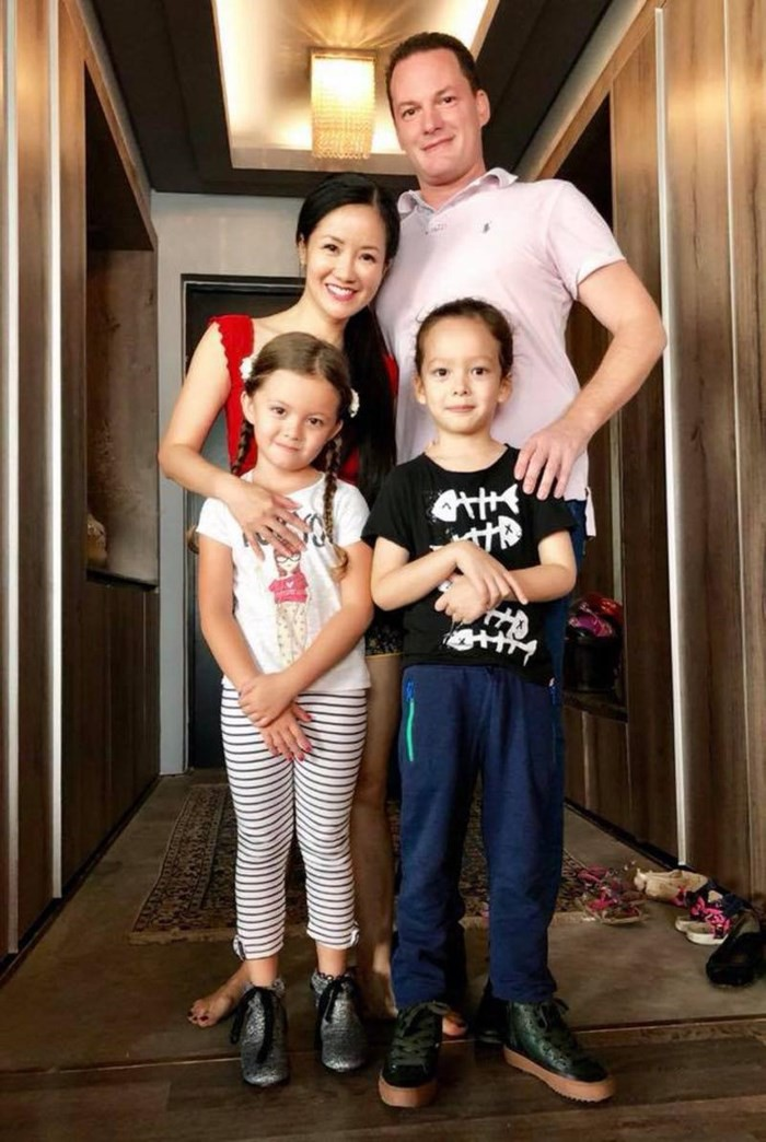 Hồng Nhung - Hành trình cùng chồng Tây trong 8 năm hạnh phúc - Ảnh 4.
