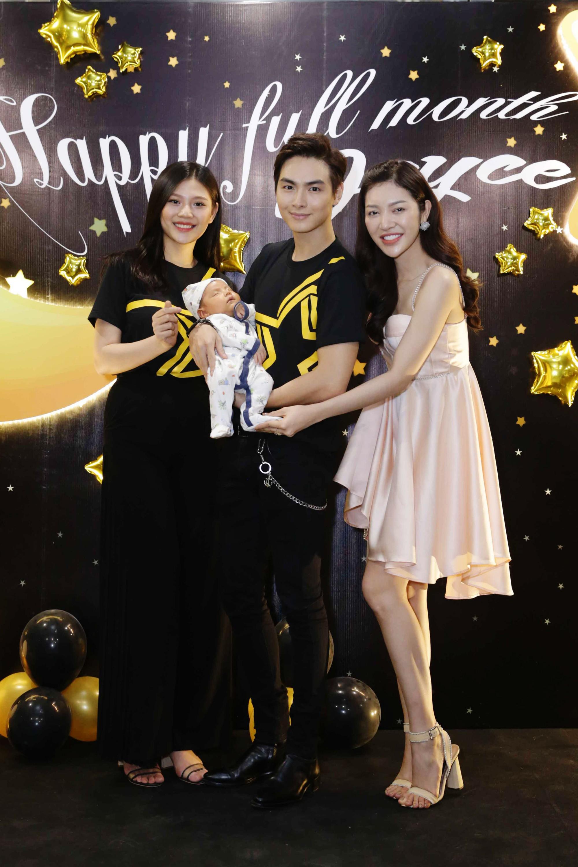 Vợ chồng Chúng Huyền Thanh - Jay Quân mặc đồ đôi, rạng rỡ trong tiệc đầy tháng con trai đầu lòng - Ảnh 12.