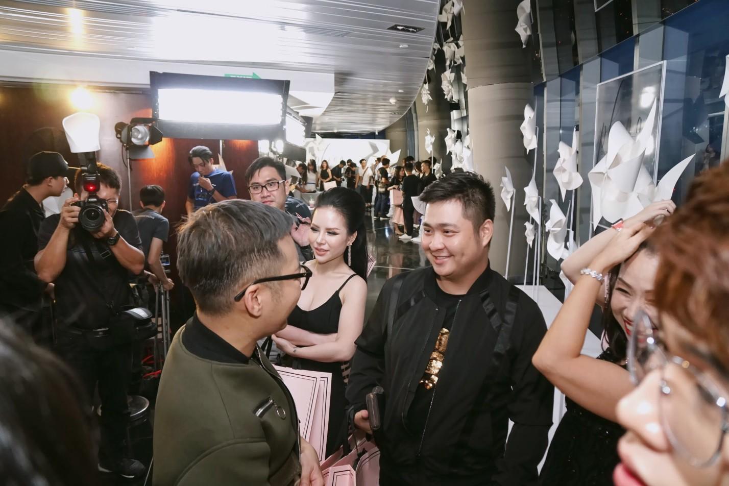 Giám Đốc Oshirma Cao Thiên Nhi đẹp cuốn hút trong sự kiện Fashion Show - Ảnh 2.