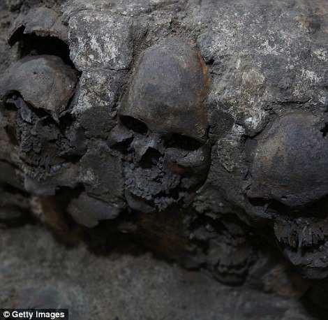 Tòa tháp xương bí ẩn ở Mexico hé lộ một khía cạnh rùng rợn khác trong nghi lễ hiến tế người của dân tộc Aztec cổ đại - Ảnh 3.