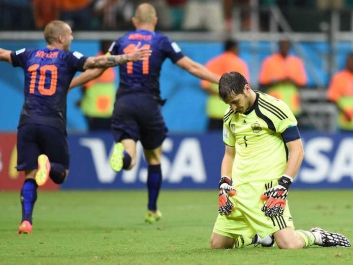 Giải mã lời nguyền World Cup: vì sao những nhà đương kim vô địch lại bị loại ngay từ vòng bảng? - Ảnh 2.