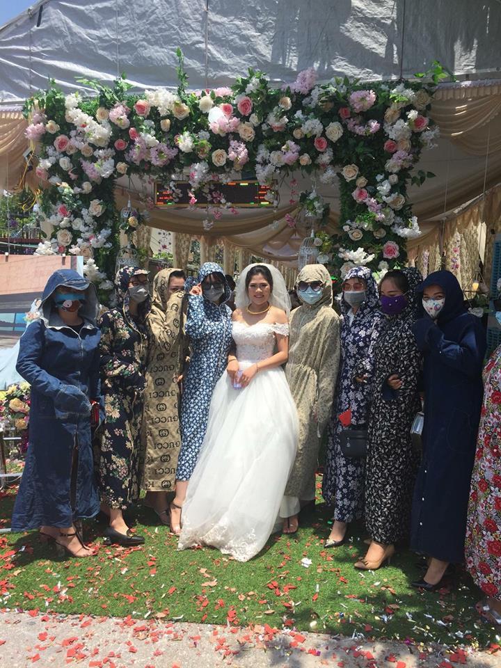 Hội chị em ninja mặc full giáp kéo nhau đi ăn cưới khiến cư dân mạng chỉ nhìn cũng vã mồ hôi - Ảnh 2.