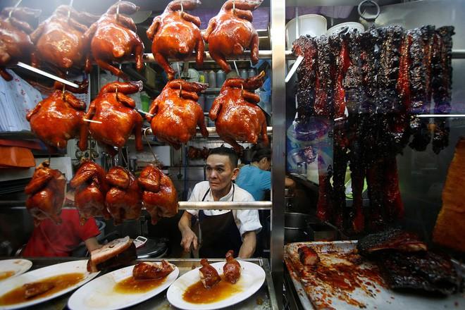 Singapore đắt đỏ có tiếng, nhưng ăn uống ở nơi này thì đảm bảo ngon, rẻ như người bản địa - Ảnh 7.