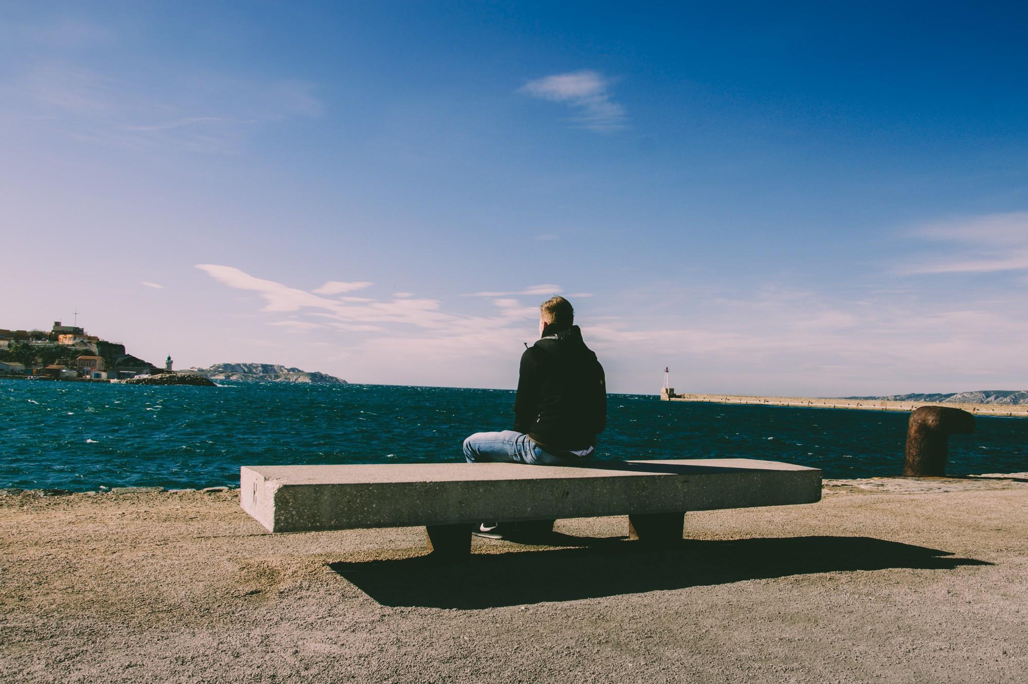 alone-beach-bench-1074535-1528039451483295581754.jpg
